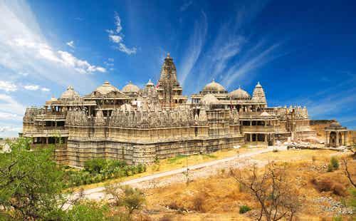 El templo de Ranakpur en India, la cima del jainismo