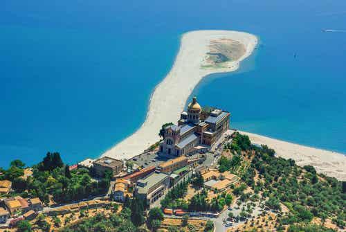 Descubrimos la histórica Tíndaris en Sicilia