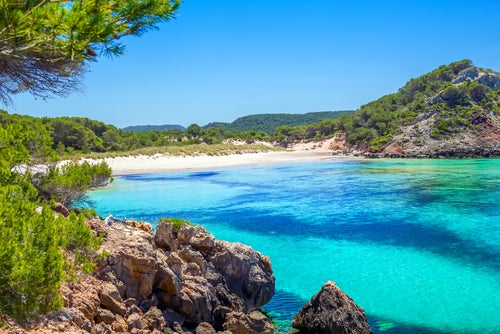 La bella Menorca, entre calas y aguas cristalinas