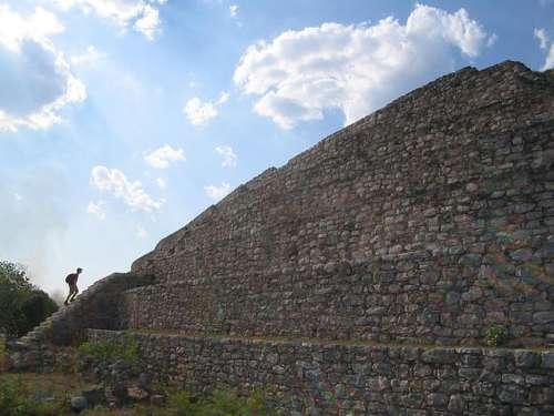 Gran Pirámide de Izamal