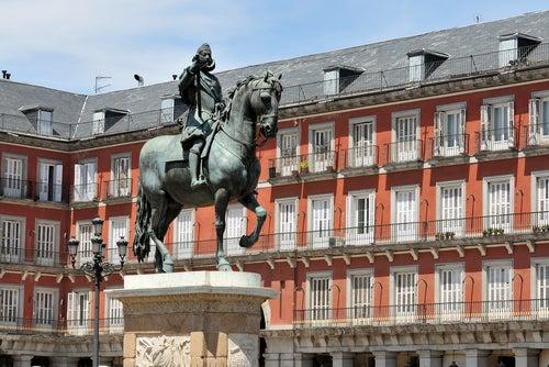 Estatua de Felipe III en la Plaza Mayor de Madrid