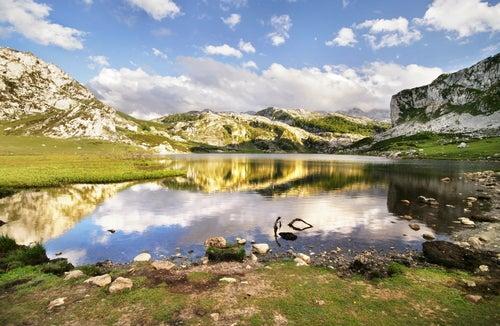 Descubrimos la belleza de los lagos de Covadonga en Asturias