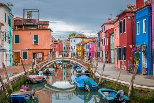 Burano, una isla llena de color en la laguna de Venecia