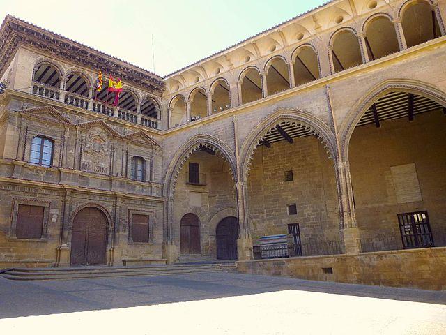 Lonja y Ayuntamiento de Alcañiz