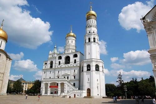 Campanario de Iván el Grande en el Kremlin de Moscú
