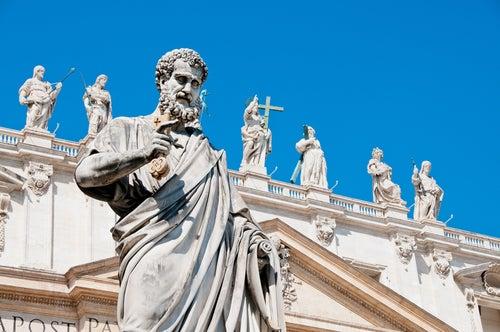 Estatua San Pedro en el Vaticano