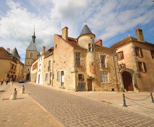 Avallon, una joya medieval en el corazón de Francia