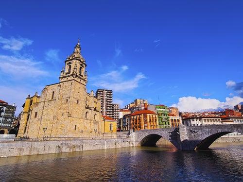 Las 5 mejores zonas para alojarse en Bilbao