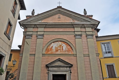 Iglesia de Santa Annunziata en Barga