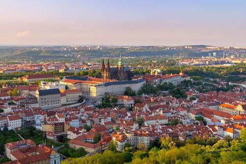 Vista de Praga desde el Monte Petrin