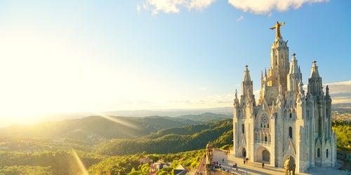 Resultado de imagen para barcelona templo expiatorio del sagrado corazon