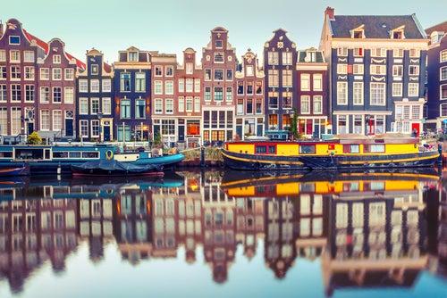 Descubre Ámsterdam, una capital con luz propia