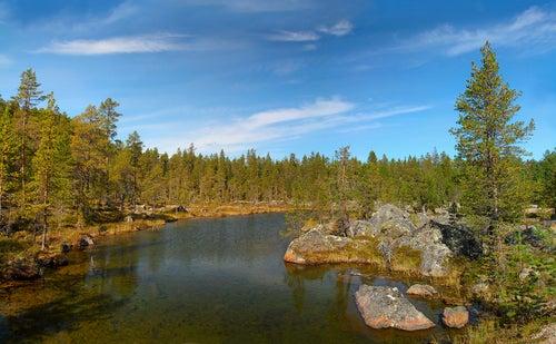 Lago Inari en Finlandia