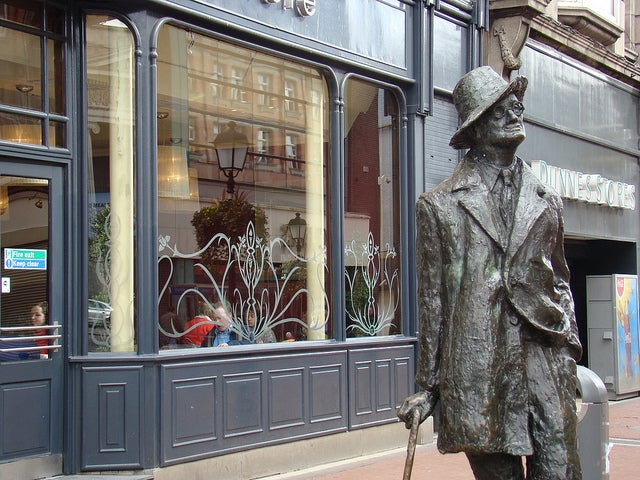 Estatua de James Joyce en Dublín
