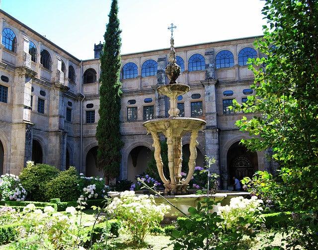 Claustro del Monasterio de Samos