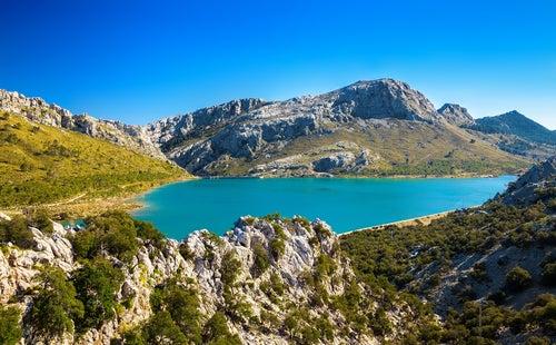 Lago Cuber en la sierra de Tramuntana