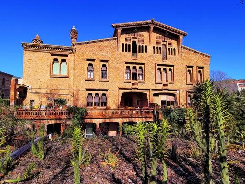 La Colonia Güell en Barcelona, una joya modernista por descubrir