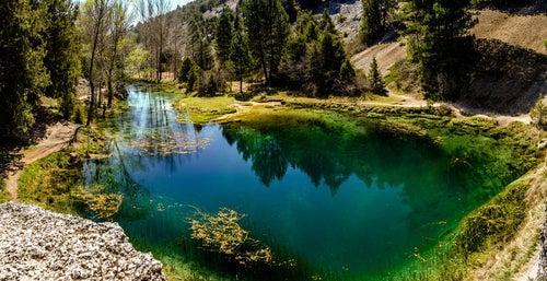 Descubre el Monumento Natural de La Fuentona en Soria