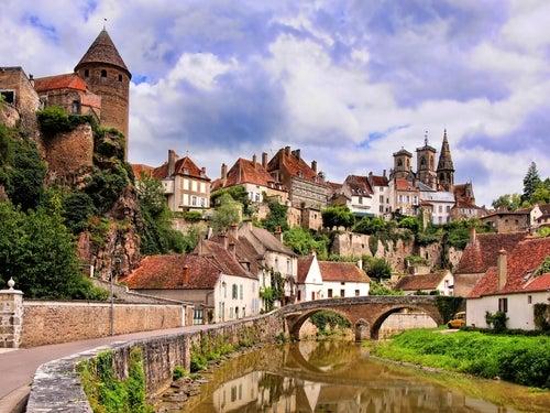 Semur en Auxois en Borgoña