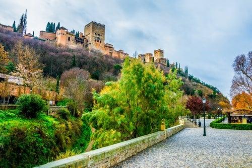 La Alhambra desde el Darro