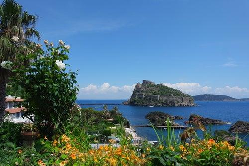 La magia y el encanto de Ischia, una preciosa isla italiana