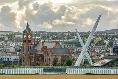 Londonderry o Derry en Irlanda ¿Dos ciudades o una sola?