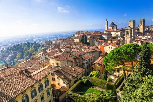 Bérgamo, una ciudad de aires medievales en Lombardía
