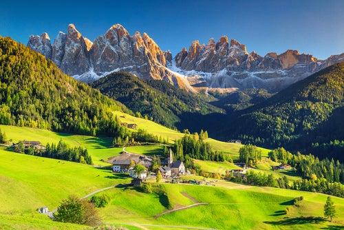 Recorremos los lugares más bellos de los Dolomitas italianos