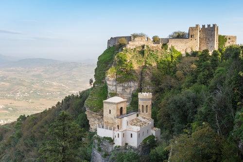 Erice, una encantadora ciudad medieval en Sicilia