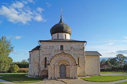 Catedral de San Yuri en el Anillo de Oro de Rusia
