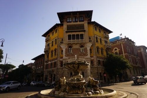 Fontana de las Ranas en el barrio Coppedé