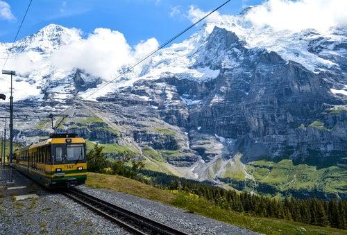 Los más increíbles trenes panorámicos en Europa