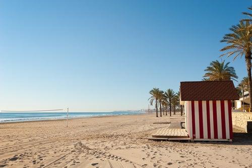 Playa de Muchavista en la costa valenciana