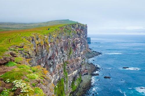 Acantilados de Látrabjarg en Islandia
