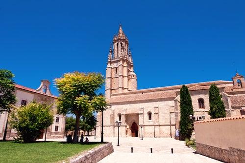 Colegiata de San Miguel en Ampudia