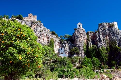 Guadalest, uno de los pueblos de España entre montañas