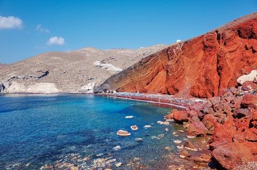 Playa Roja en Santorini
