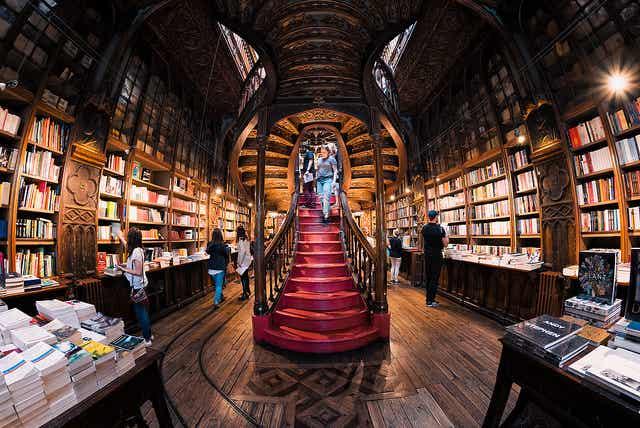 Oporto esconde una de las librerías más bonitas del mundo