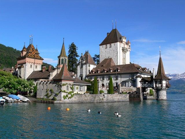 Castillo de Oberhofen en Suiza
