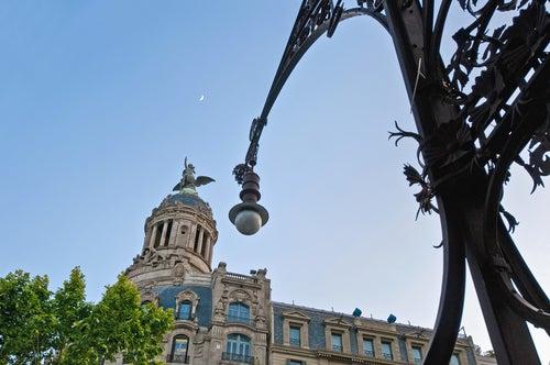 Farola en el Paseo de Gracia de Barcelona