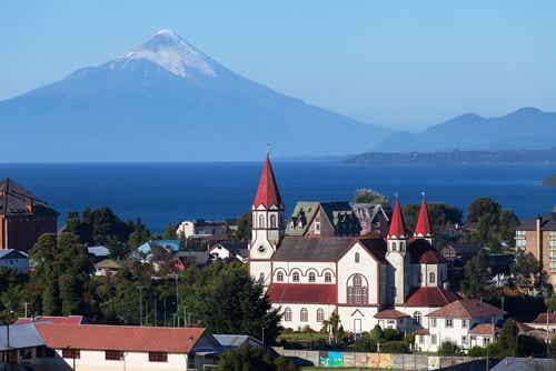 Descubre la belleza de Puerto Varas en la montaña chilena
