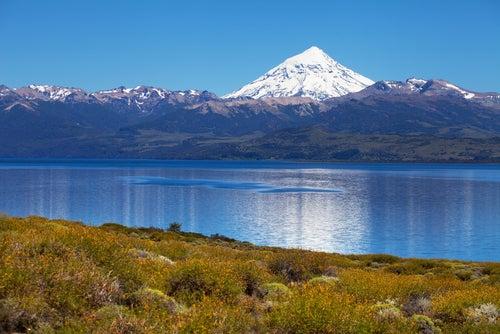 Volcán Lanín en la Patagonia