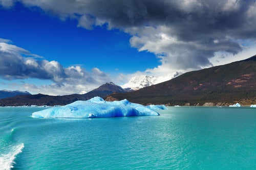 El lago Argentino, embebido en la gélida Patagonia