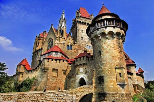 Conoce Burg Kreuzenstein, un castillo de fantasía en Austria