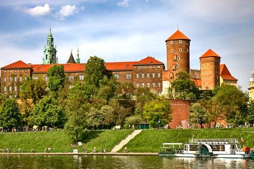Castillo en la colina de Wawel en Cracovia