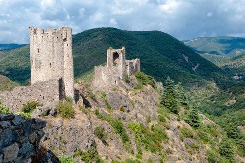 Castillos de Lastours en la Ruta Cátara