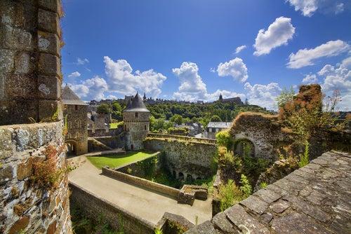 Vista de ougeres, uno de los pueblos más bonitos de Francia