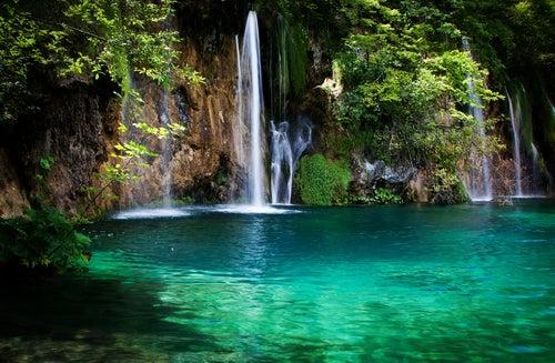 Cascada en el Parque Nacional de Plitvice