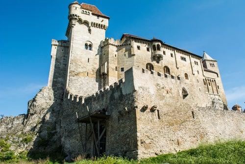 Muros de Burg Kreuzentein