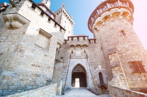 Acceso a Burg Kreuzenstein